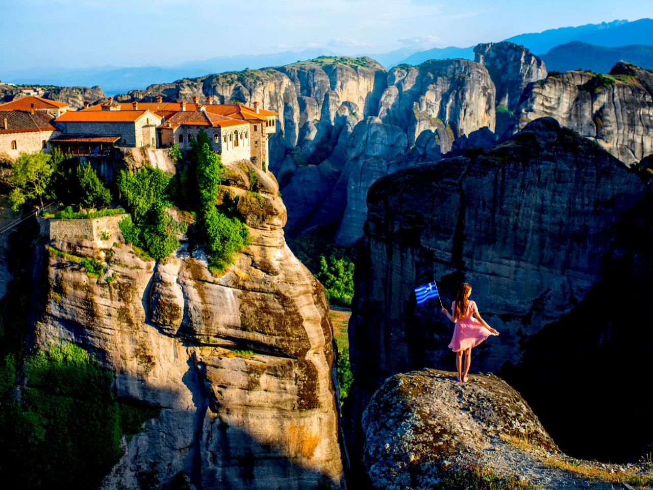 Daily tours to Meteora – with transfer