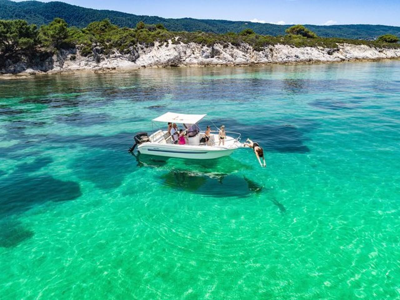 Rent a boat – Be a Captain in Kassandra Halkidiki