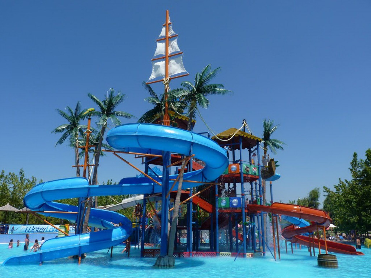 Daily tours to Waterland park – with transfer